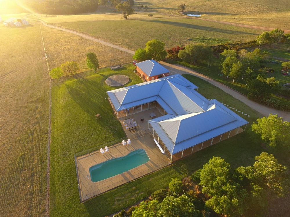 PEAKVIEW 105 Moppity Road Young, NSW 2594