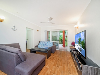 1/1 Ray Street Yorkeys Knob, QLD 4878