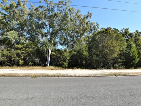 182 Centre Rd Russell Island, QLD 4184