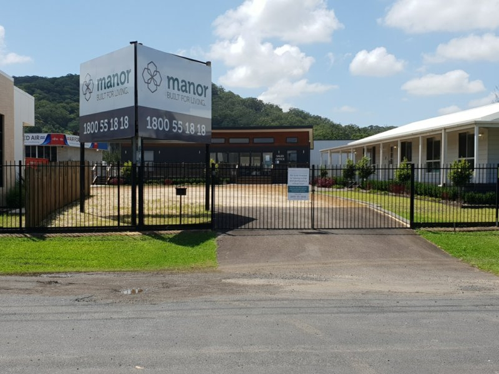 Front Yard/2 Luke Close West Gosford, NSW 2250