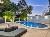 8 Levestam Court Carrara, QLD 4211