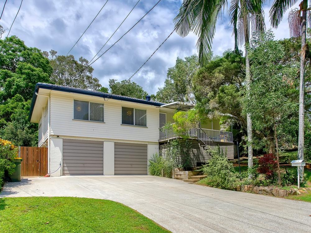 3 Halton Street Stafford Heights, QLD 4053