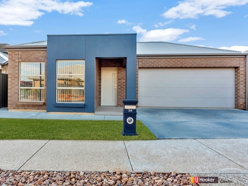 34 Queensberry Way Blakeview, SA 5114