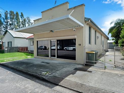 19 Herbert Street Belmont, NSW 2280