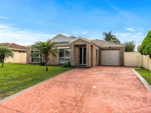 15 Rogan Crescent Prairiewood, NSW 2176