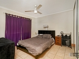 2/9 Bradford Street Labrador, QLD 4215