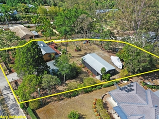 42a Bonogin Road Mudgeeraba , QLD, 4213