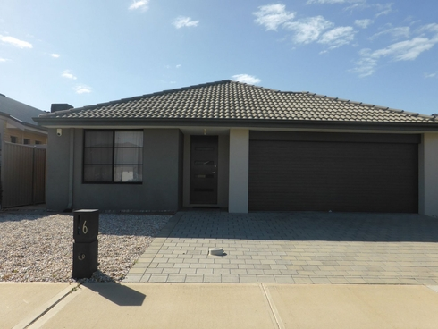 6 Archdale Loop Piara Waters, WA 6112
