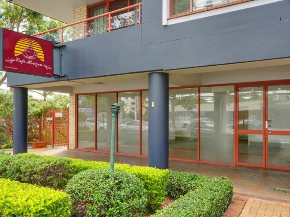 2/208 Pacific Highway Hornsby, NSW 2077
