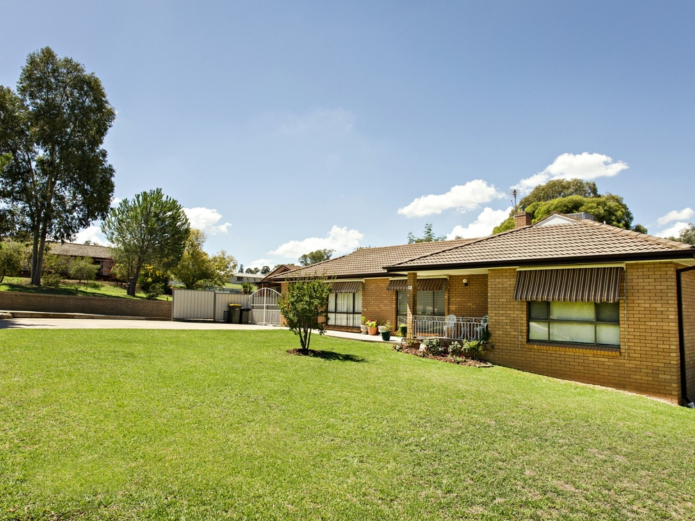 67 Blackett Avenue Young, NSW 2594