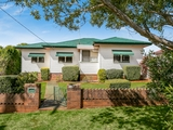 20 Hillview Avenue Newtown, QLD 4350