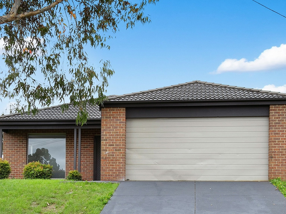 17 Mulcare Crescent Churchill, VIC 3842