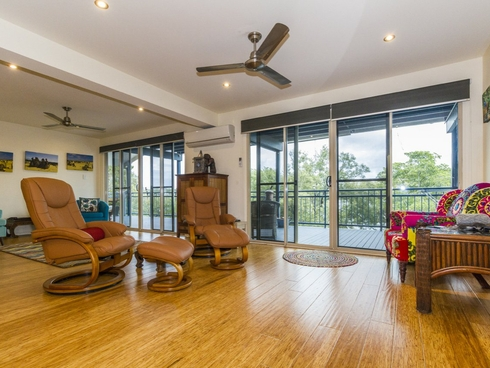 20 Calm Waters Crescent Macleay Island, QLD 4184
