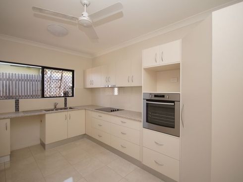 12A Pease Street Tully, QLD 4854