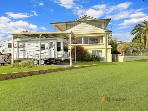 5 Peveril Street Mannering Park, NSW 2259