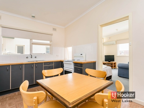 5/52 Seaview Road West Beach, SA 5024