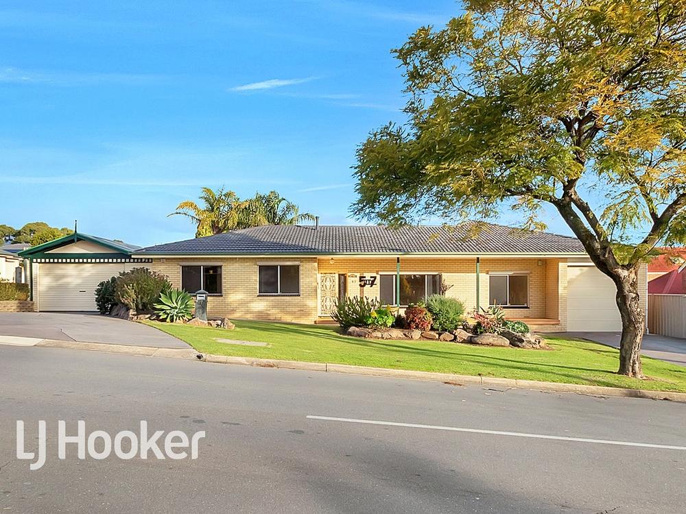 57 Hazel Grove Ridgehaven, SA 5097