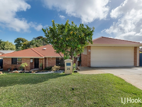 25 Winchester Way Leeming, WA 6149