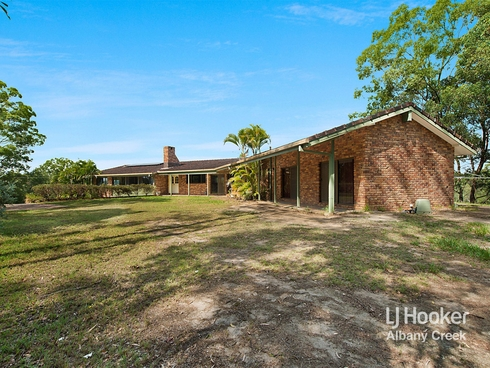 596 Eatons Crossing Road Clear Mountain, QLD 4500