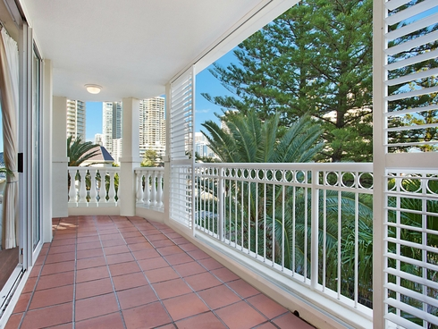 25/122-130 Old Burleigh Road Broadbeach, QLD 4218