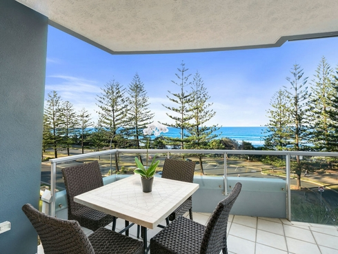 4/112 The Esplanade Burleigh Heads, QLD 4220
