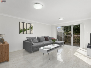 2/52 Hawkesbury Avenue Pacific Pines , QLD, 4211