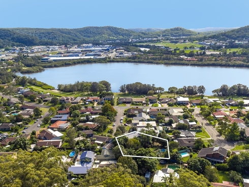 9 Shoreview Close Point Clare, NSW 2250