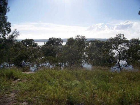 4 Azure Court Lamb Island, QLD 4184