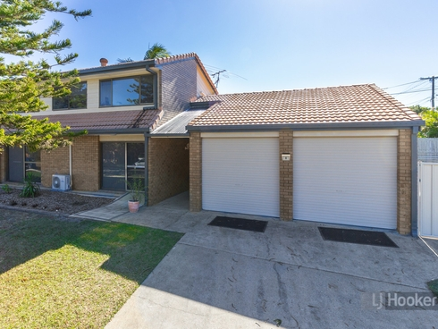 8 Cosway Street Hillcrest, QLD 4118
