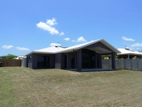 53 Cooya Beach Road Cooya Beach, QLD 4873