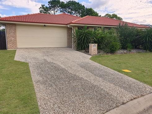 15 Walnut Cresc Lowood, QLD 4311