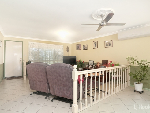 12 Chiltern Place Sandstone Point, QLD 4511